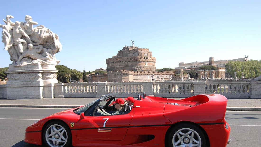 Ferrari F50 fahrend