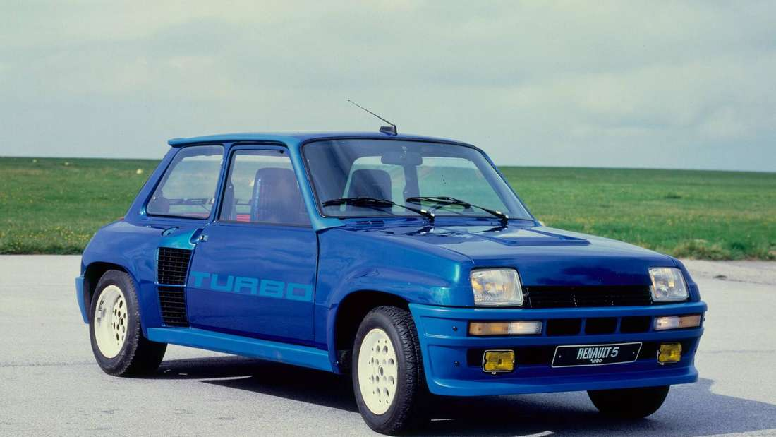 Ein blauer Renault R5 Turbo.