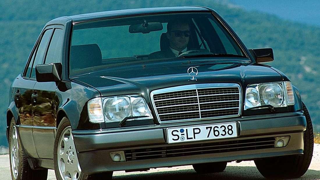 Erste Mercedes-Benz E-Klasse: hier als E 500 der Baureihe W124