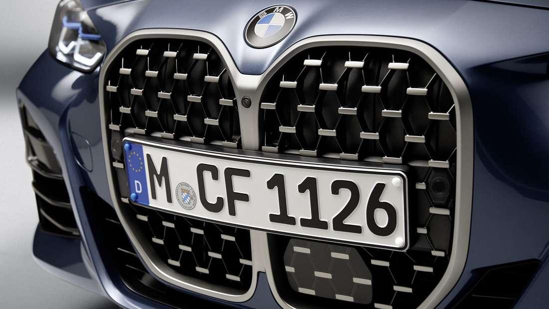 Die riesige Niere des BMW 4er Coupé (G22).