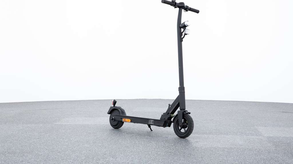 Der E-Scooter Maginon Street One.