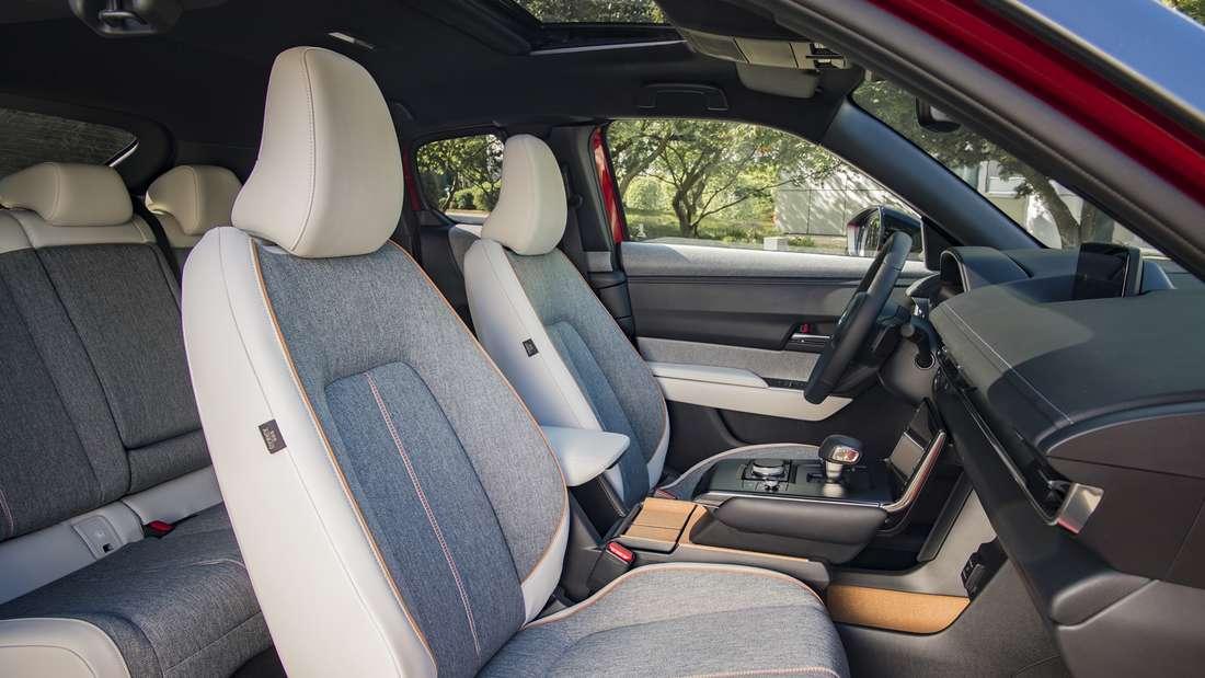 Der Innenraum eines Mazda MX-30 der ersten Generation.