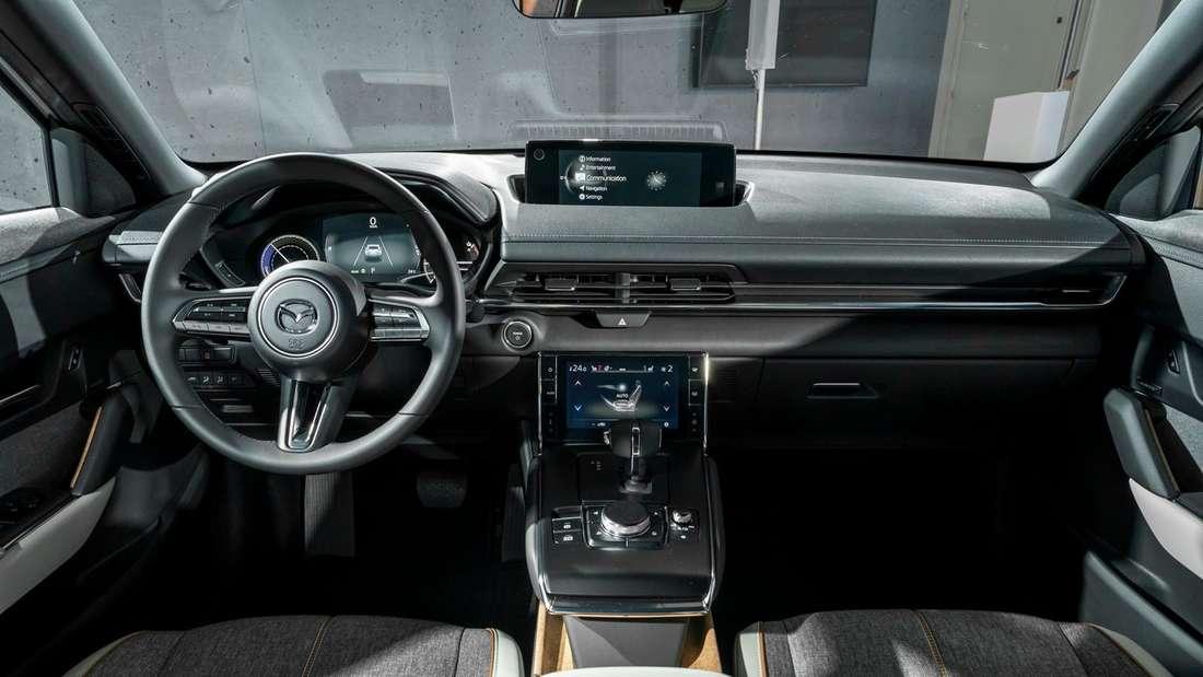 Das Cockpit des Mazda MX-30 der ersten Generation.
