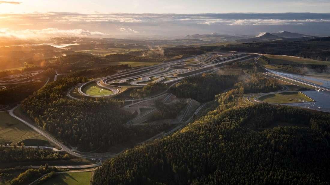 Luftaufnahme des Mercedes-Benz-Testcenters in Immendingen.