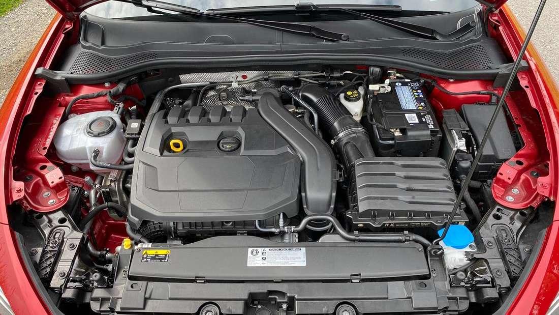 Detailbild des Motors eines Seat Leon ST 1.5 eTSI