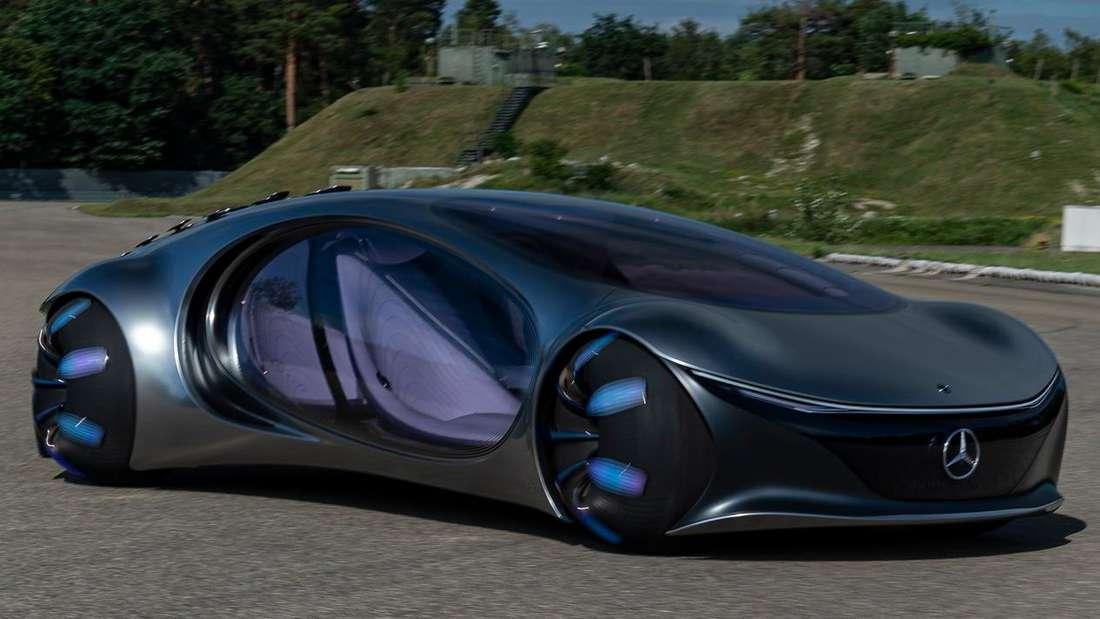Fahraufnahme des Mercedes Vision AVTR