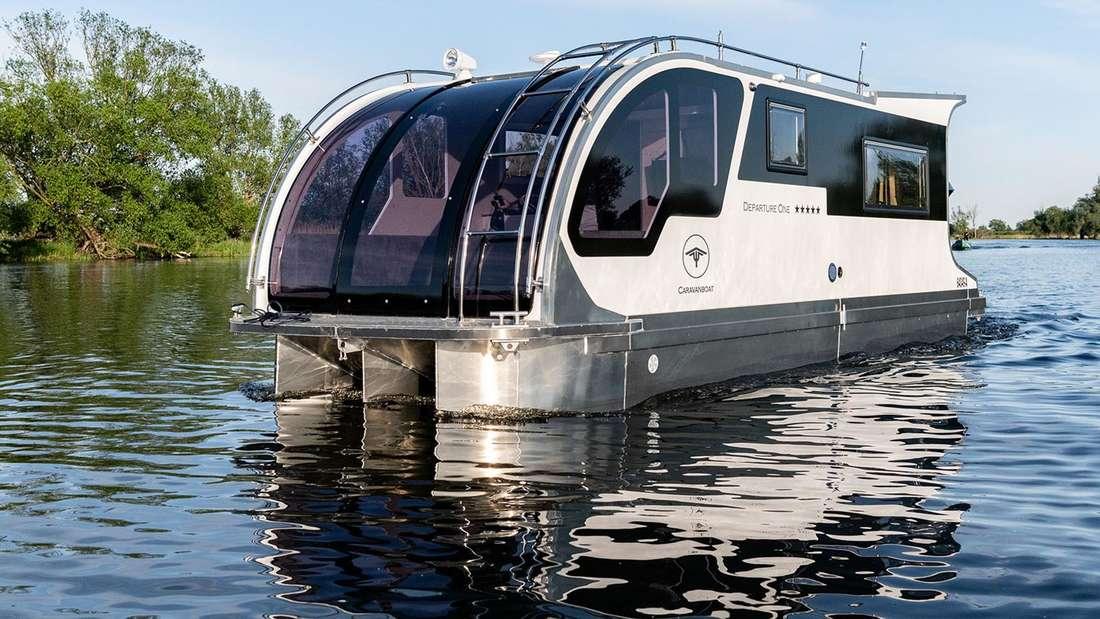 Das Wohnwagen-Hausboot DepartureOne von Tchibo.