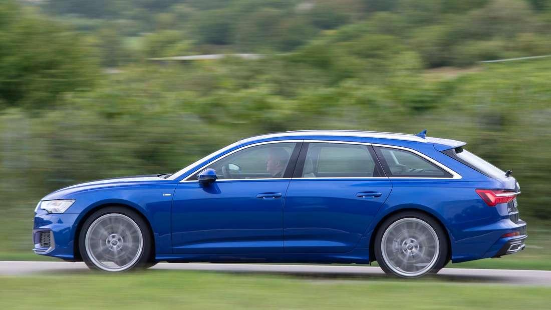Fahraufnahme eines Audi A6 Avant im Profil