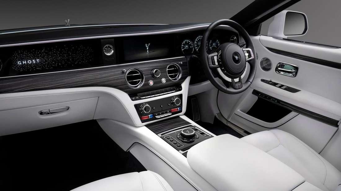 Cockpit-Aufnahme eines Roll-Royce Ghost