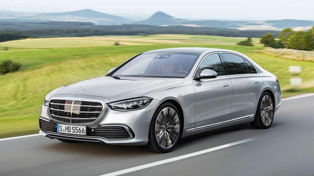 Fahraufnahme der neuen Mercedes S-Klasse.
