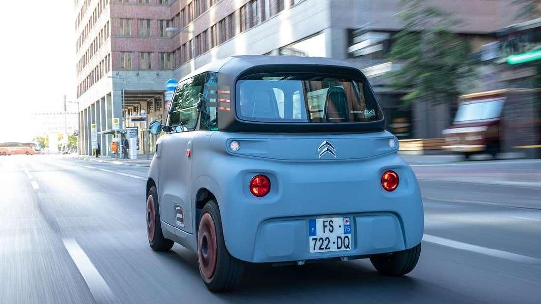 Fahraufnahme eines Citroën Ami.