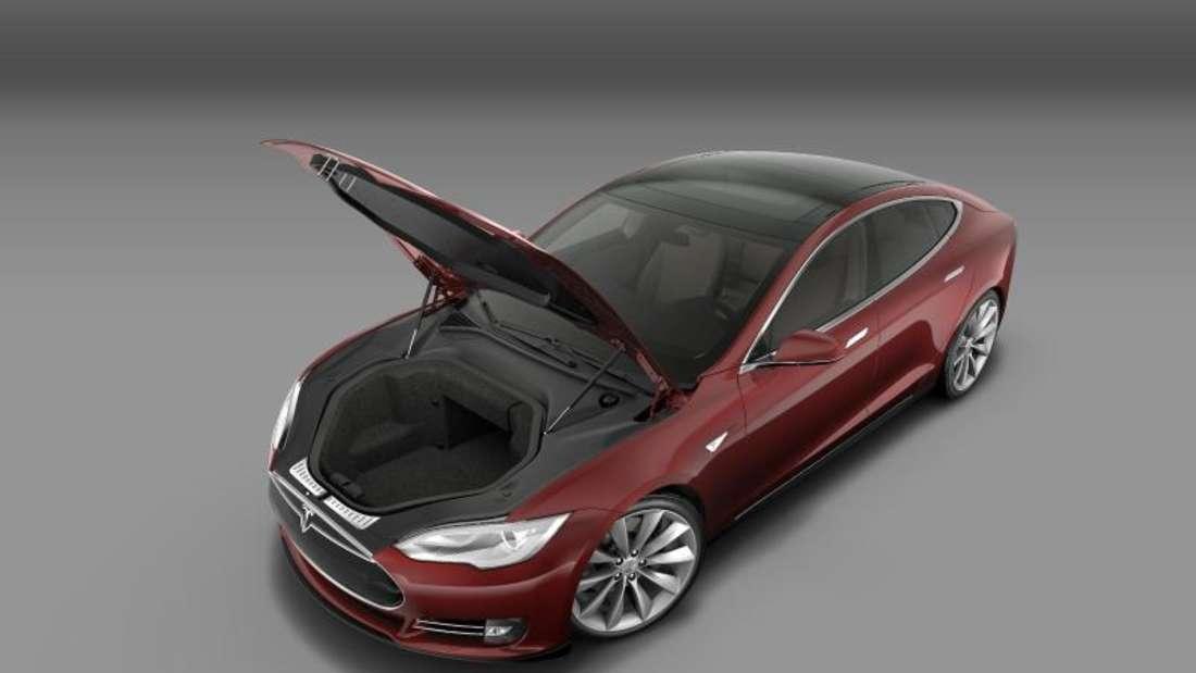 Integrierter Kofferraum in einem Tesla