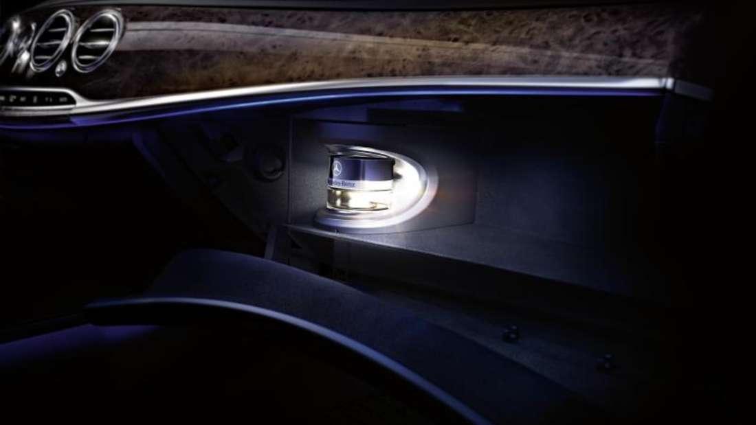 Ein integriertes Parfüm in einem Mercedes-Modell.