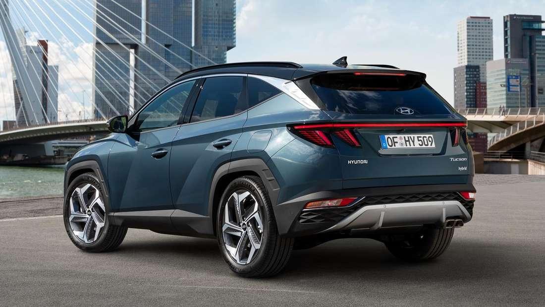 Standaufnahme eines Hyundai Tucson von schräg hinten