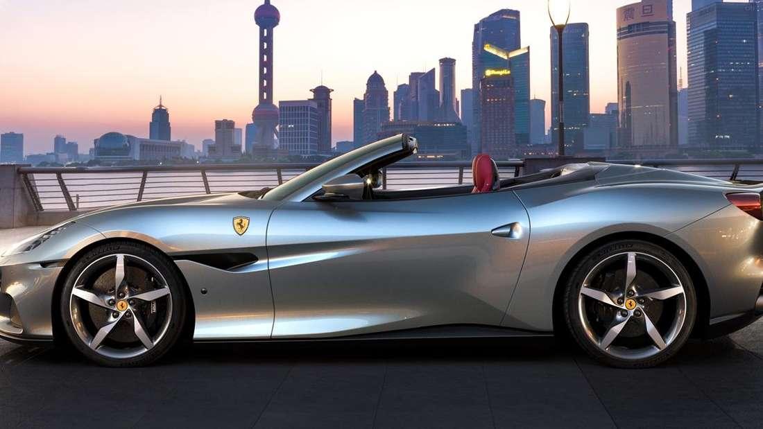 Standaufnahme eines Ferrari Portofino im Profil