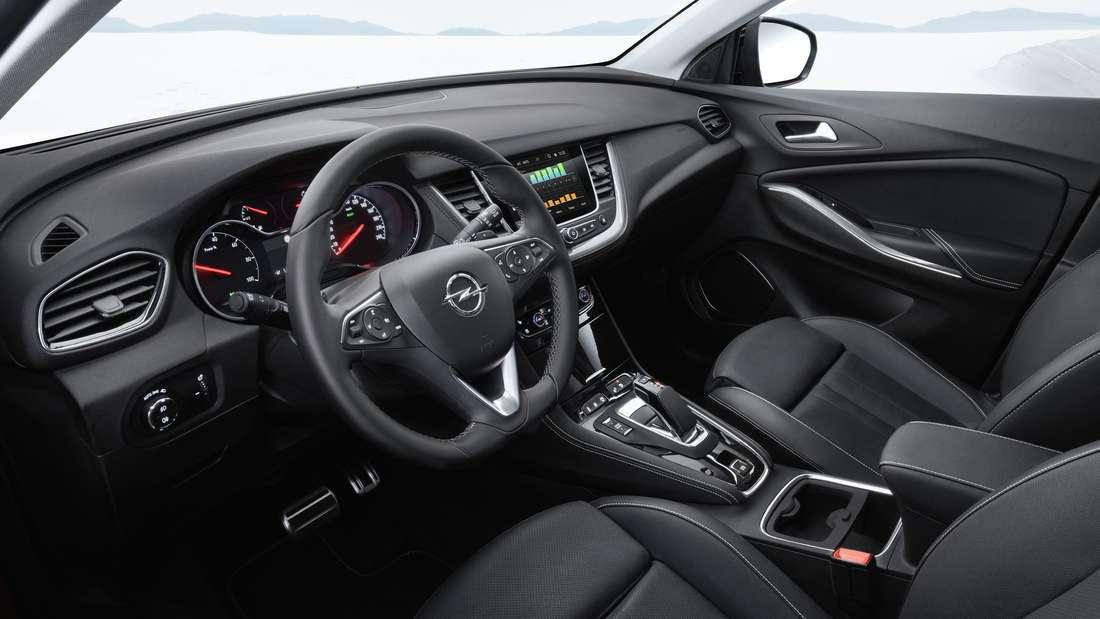 Cockpit-Aufnahme eines Opel Grandland X Hybrid4