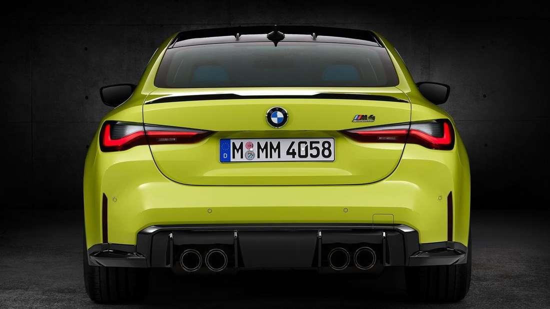 Studioaufnahme eines BMW M4 von hinten