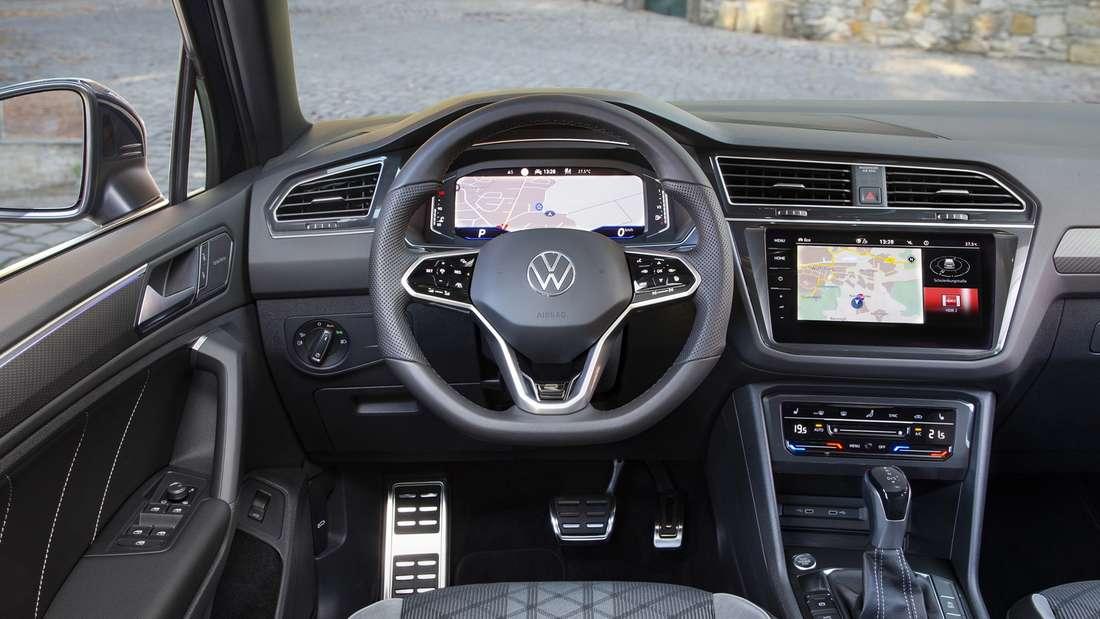 Cockpitaufnahme eines VW Tiguan