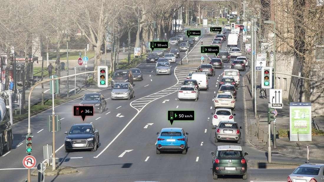 Verkehrsfluss an einer Straßenkreuzung
