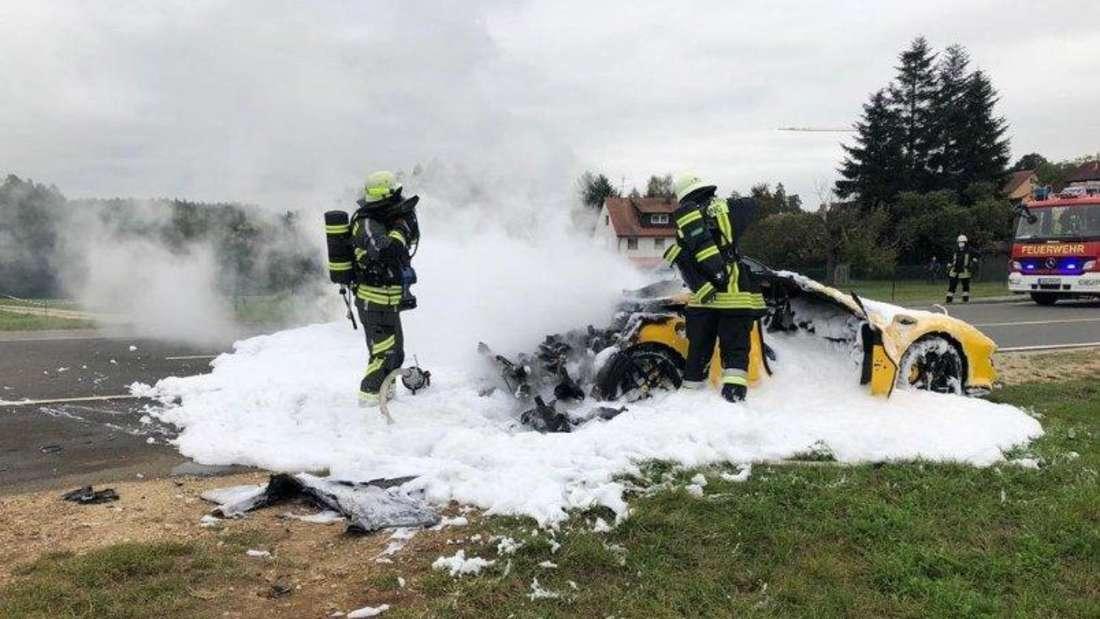 Feuerwehreinsatz: Löschen eines Ferrari 488 Pista Spider