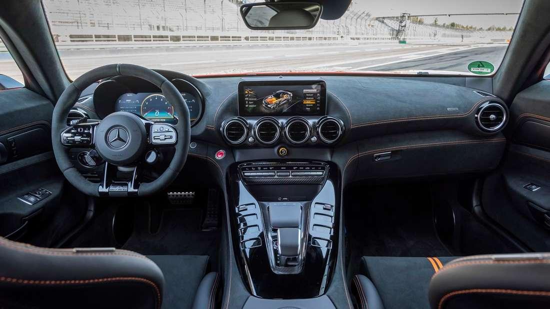 Cockpit-Aufnahme eines Mercedes-AMG GT Black Series