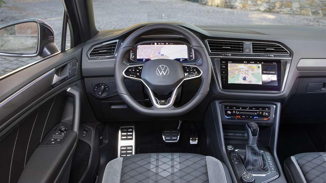 Cockpit-Aufnahme eine VW Tiguan R