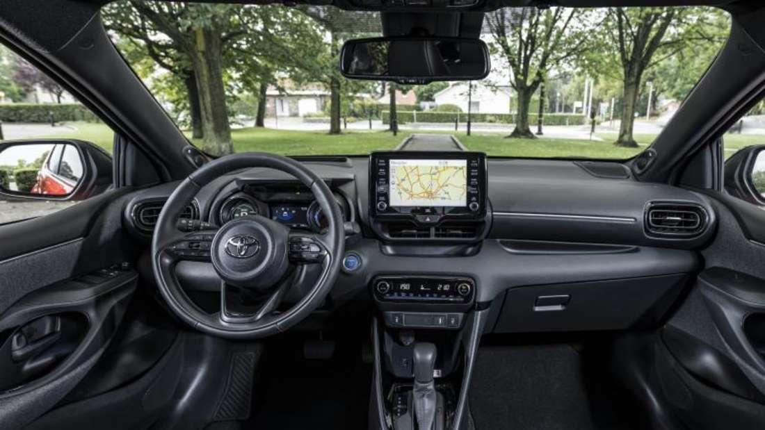 Cockpit-Aufnahme eines Toyota Yaris