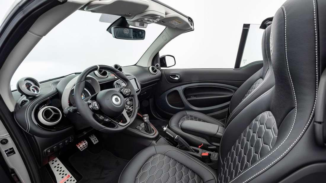 Cockpit-Aufnahme eines Brabus Smart Ultimate E