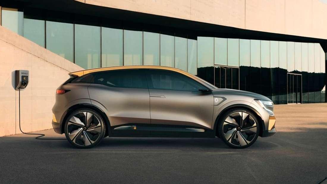 Standaufnahme eines Renault Mégane eVision im Profil