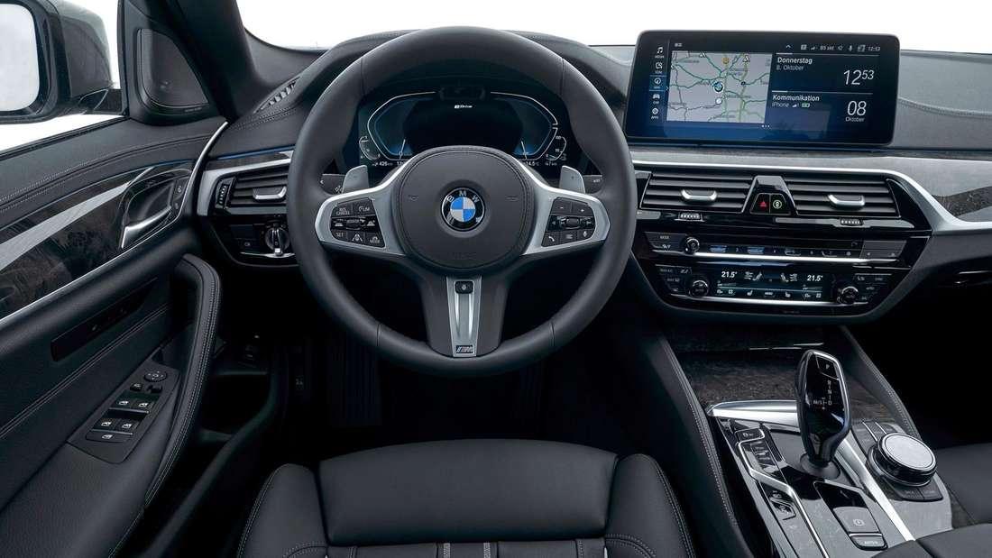 Cockpit-Aufnahme eines BMW 530e