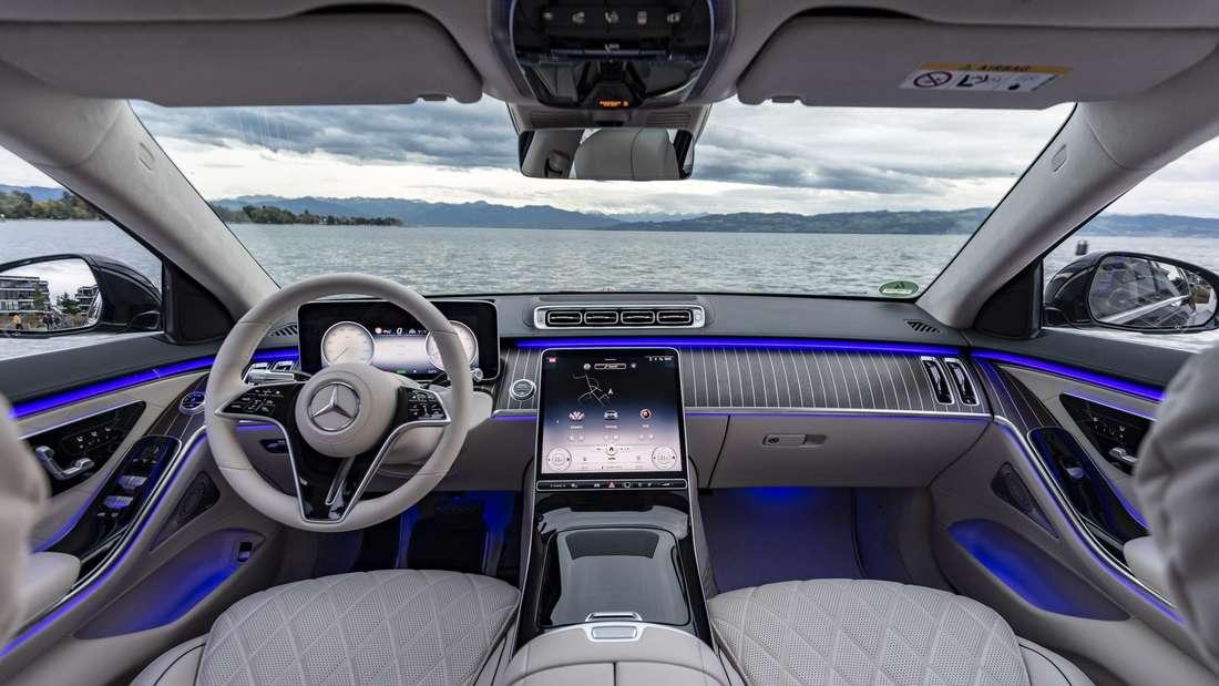Blick in den Innenraum des neuen Mercedes S 500