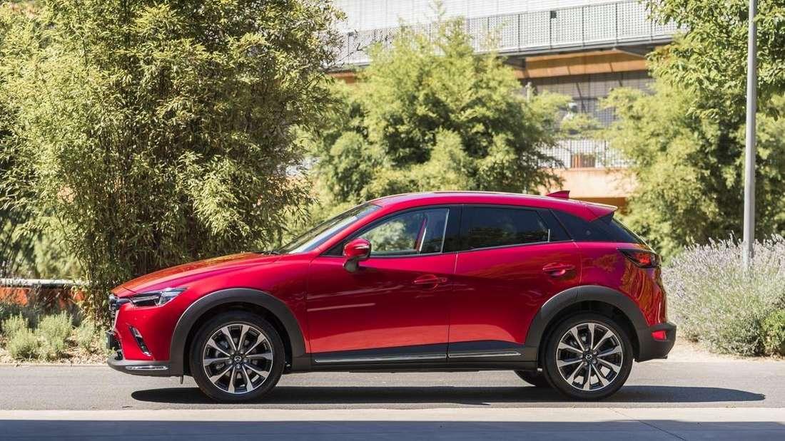 Standaufnahme eines Mazda CX-3 im Profil