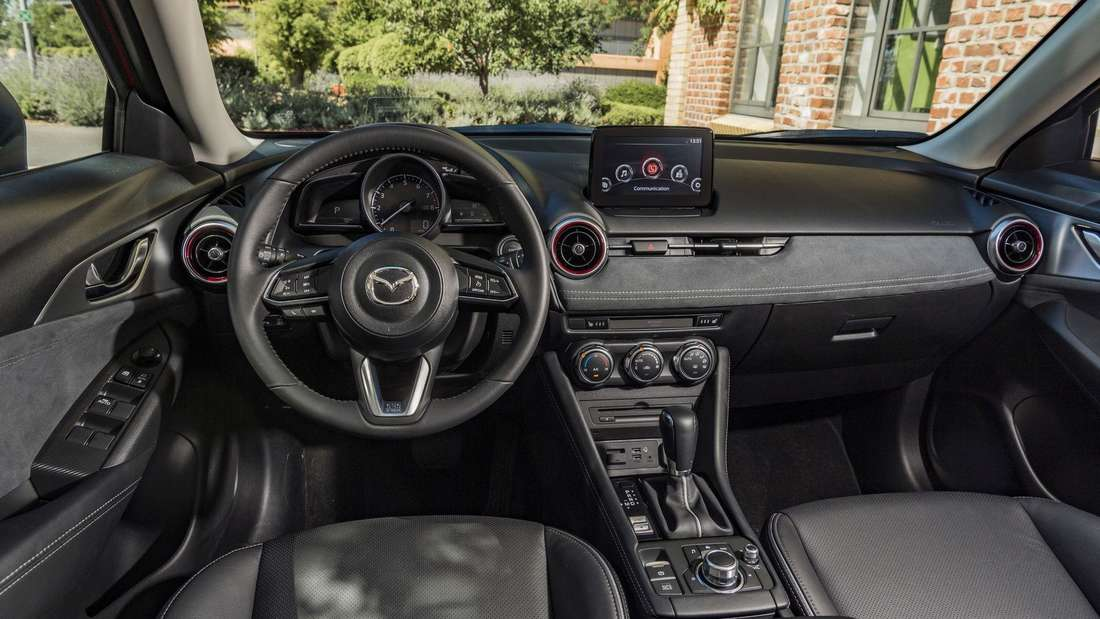 Cockpit-Aufnahme eines Mazda CX-3