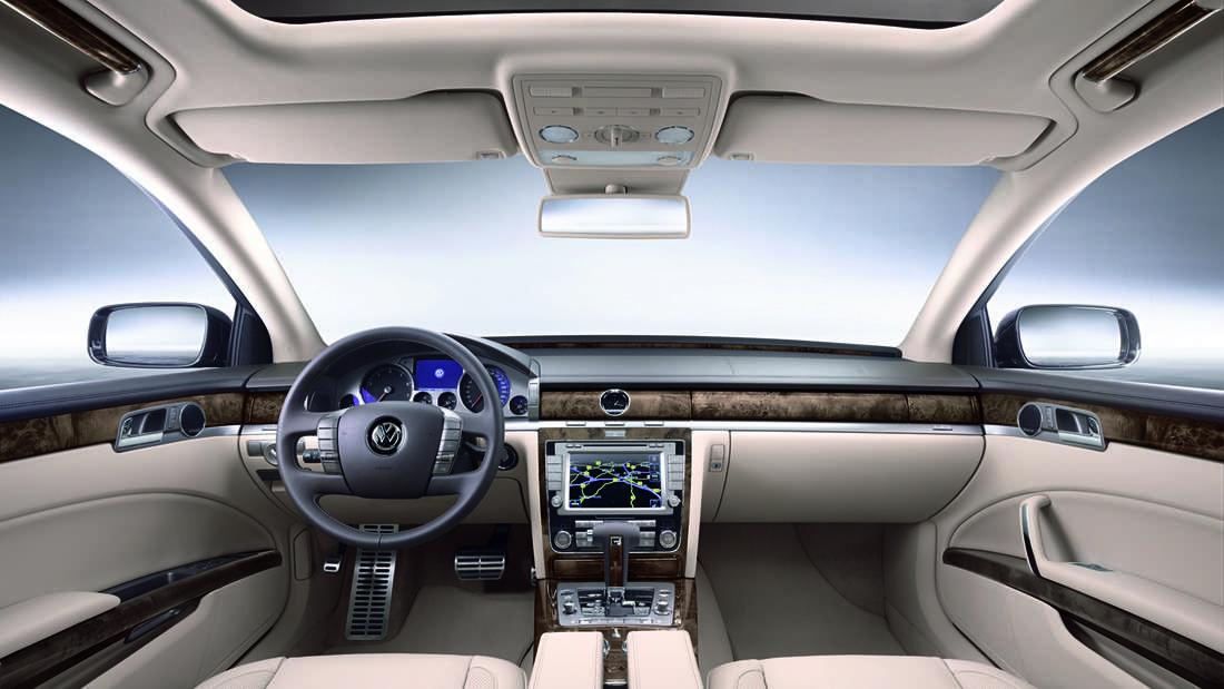 Blick in den Innenraum eines VW Phaeton