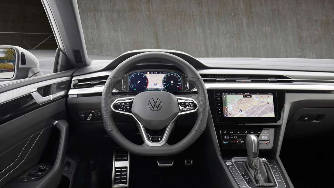 Cockpit-Aufnahme eines VW Arteon Shooting Brake