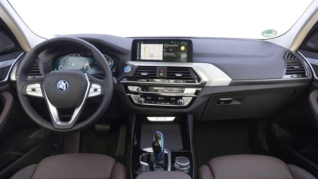 Blick in den Innenraum eines BMW iX3