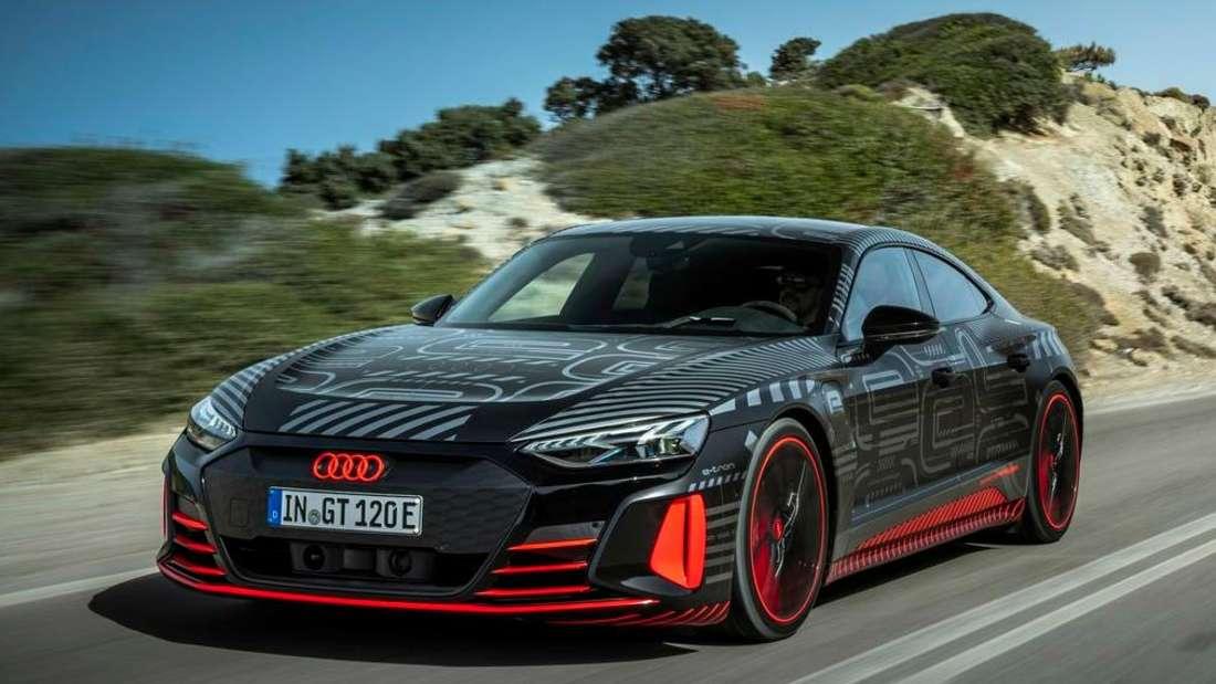 Fahraufnahme eines Audi RS e-tron GT