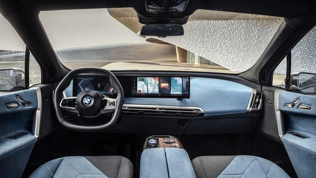 Blick in den Innenraum des BMW iX