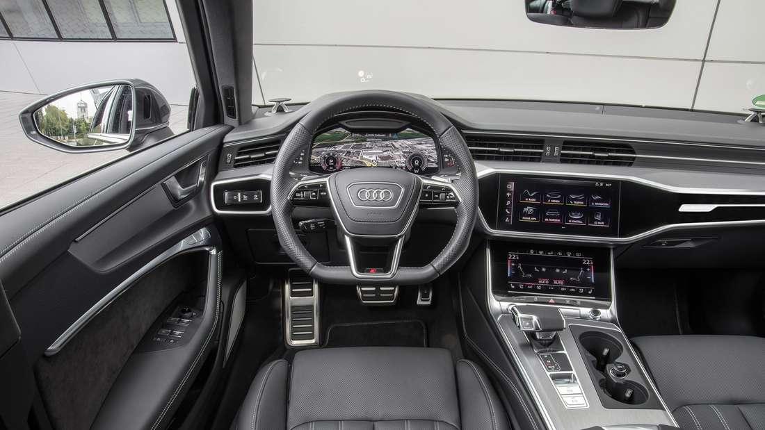 Blick in den Innenraum eines Audi A6 Avant 55 TFSI quattro.