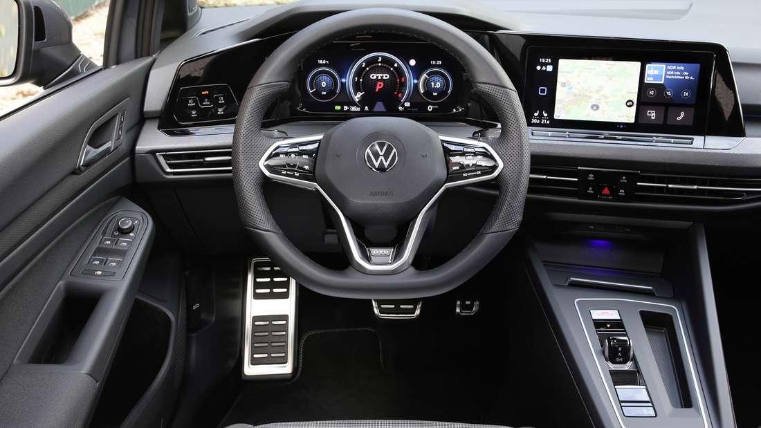 Cockpit-Aufnahme eines VW Golf GTD