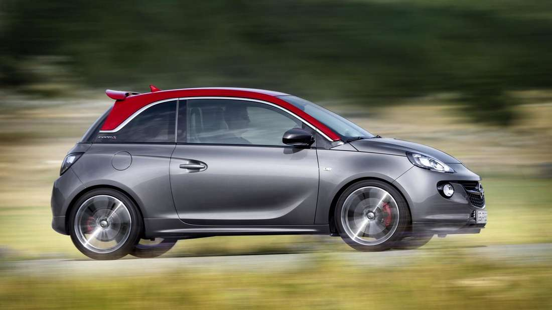 Fahraufnahme eines Opel Adam im Profil