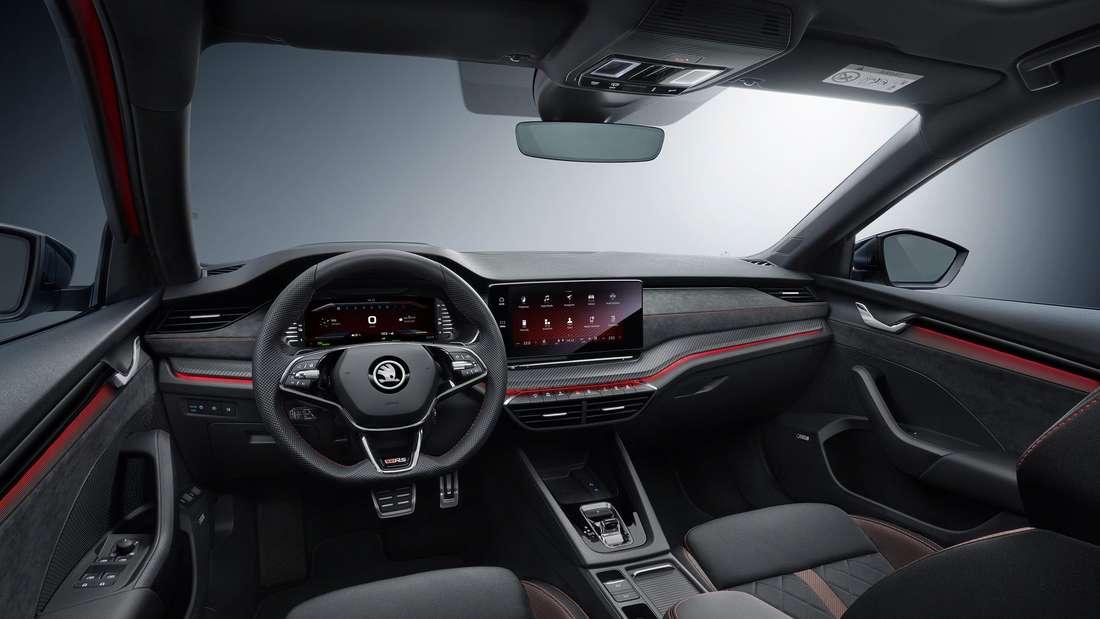 Blick ins Cockpit  einer Škoda Octavia RS Limousine