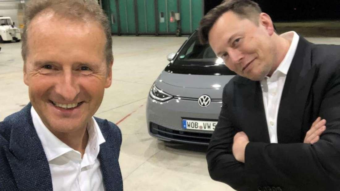VW-Chef Herbert Diess (links) und Tesla-CEO Elon Musk (rechts)