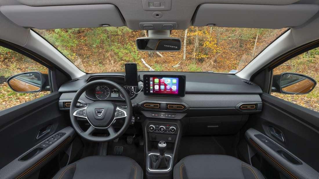 Blick in den Innenraum eines Dacia Sandero Stepway