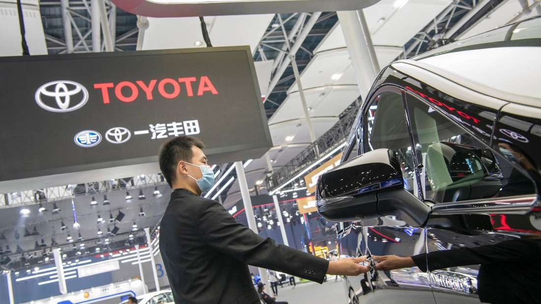 Der Toyota-Stand auf der 18.  Guangzhou International Automobilausstellung.