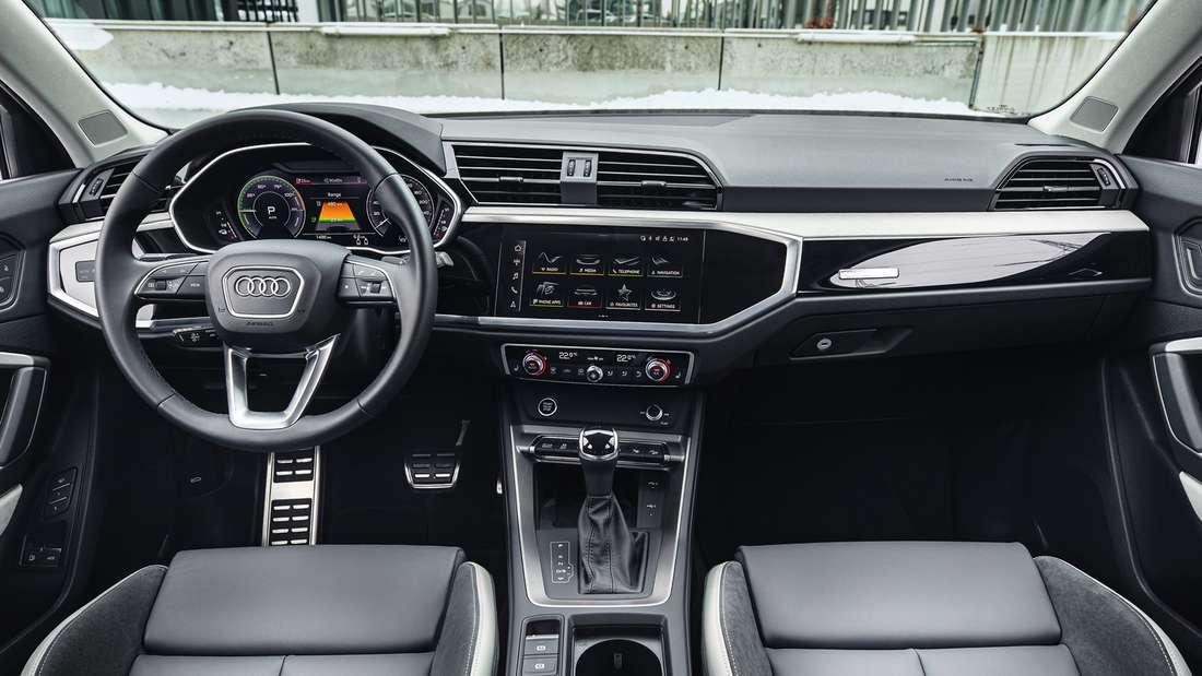 Blick in den Innenraum eines Audi  Q3 45 TFSIe Sportback.