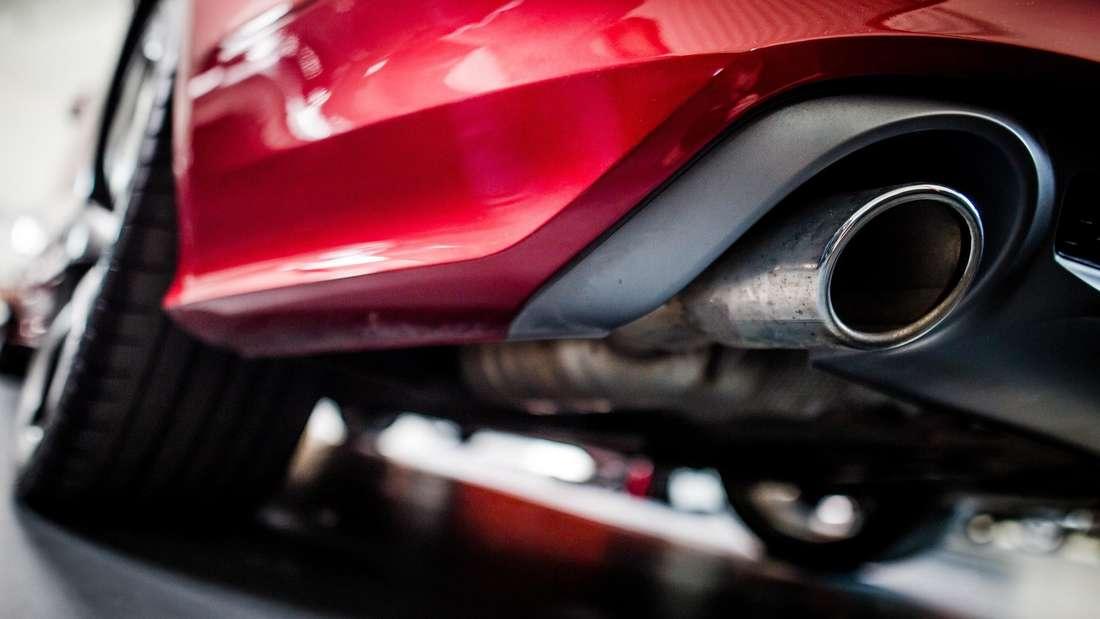 Der Auspuff eines Audi A7 Sportback 3.0 TDI quattro, V6 Dieselmotor, Baujahr 2013