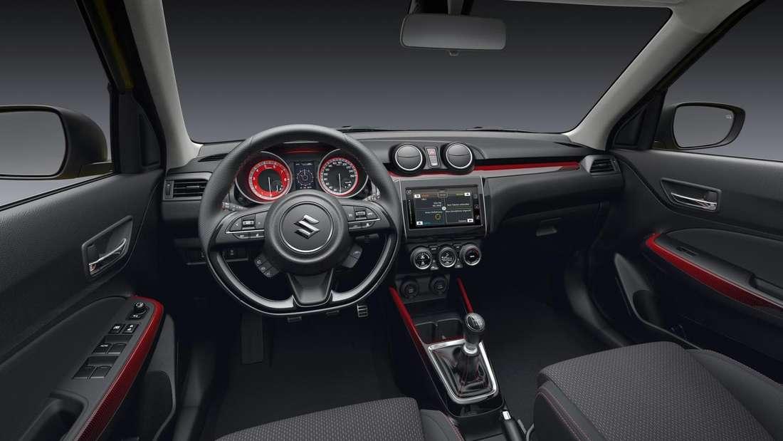 Blick in den Innenraum eines Suzuki Swift Sport