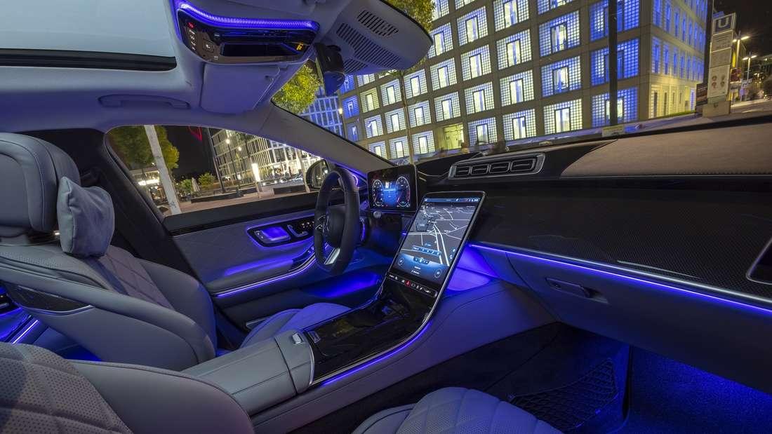 Blick in den Innenraum einer Mercedes S-Klasse