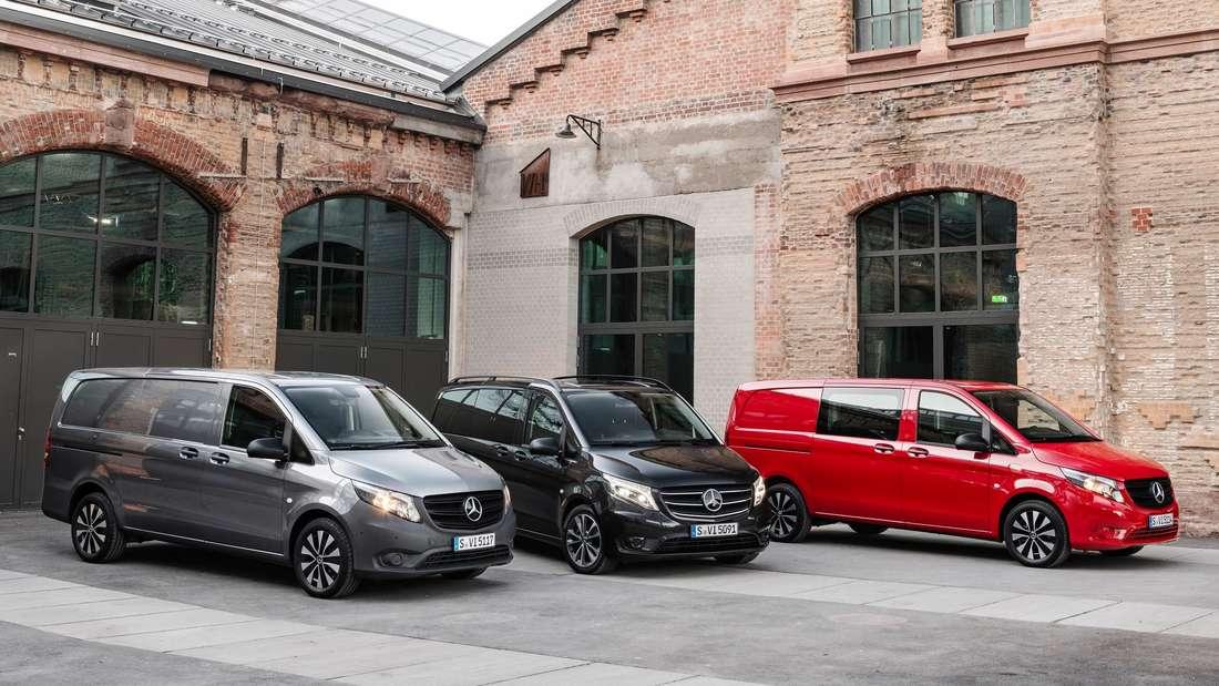 Ein Mercedes-Benz Vito Tourer, ein Vito Mixto und ein Vito Kastenwagen (Symbolbild)